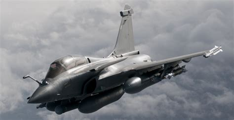 """F-35's French rival """"Rafale"""" pitches 'Canadianized"""