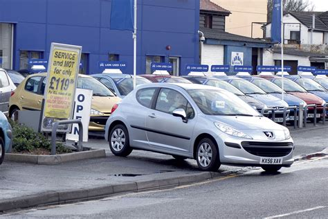 Used car price guides: how to value a car   Carbuyer