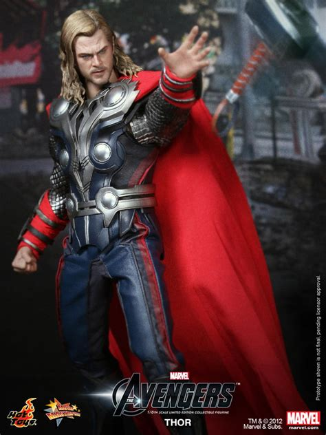 Hot Toys - The Avengers: 1/6th Scale Thor Limited Edition
