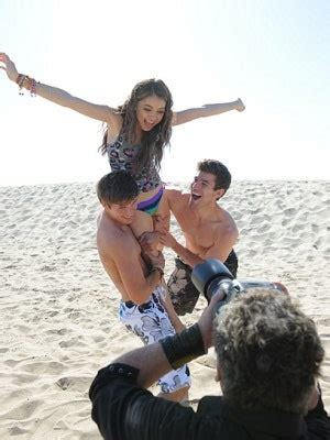 """Sarah Hyland and Ashley Tisdale star in Op's """"Venice Beach"""