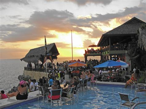 Enjoy Sunset with Reggae at Rick's Cafe   1000 Lonely Places
