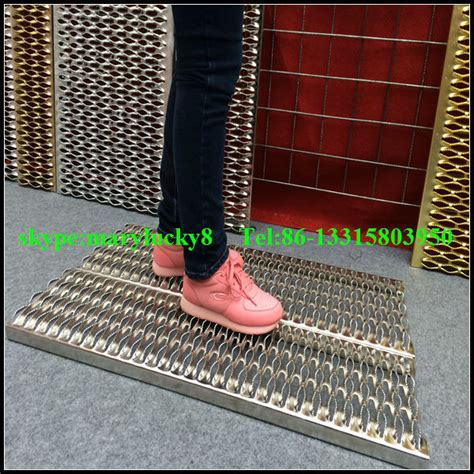 Perforated Catwalk Gratings/catwalk Safety Grating - Buy