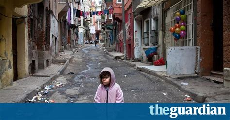 Syria's most hated refugees find sanctuary in an Istanbul