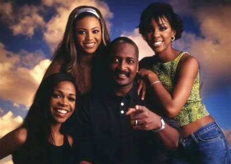 Beyoncé's dad, Mathew Knowles, announces new biographical