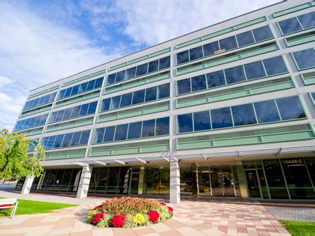 125 Square Foot Office Space For Lease @ 500 West Putnam