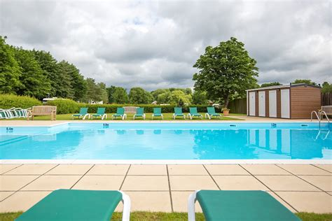 Swiss Farm, Henley on Thames - Heated Outdoor Swimming Pool